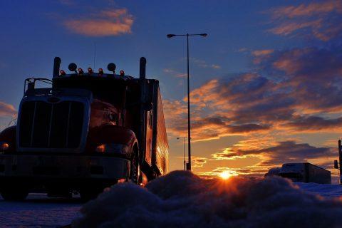 trucker 2946821 1920